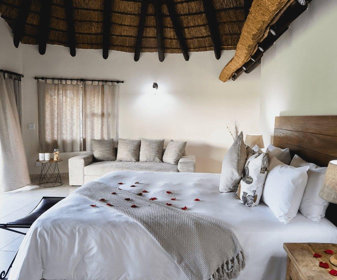 Big 5 Game reserve near Pretoria - Gallery, Villas, bedroom
