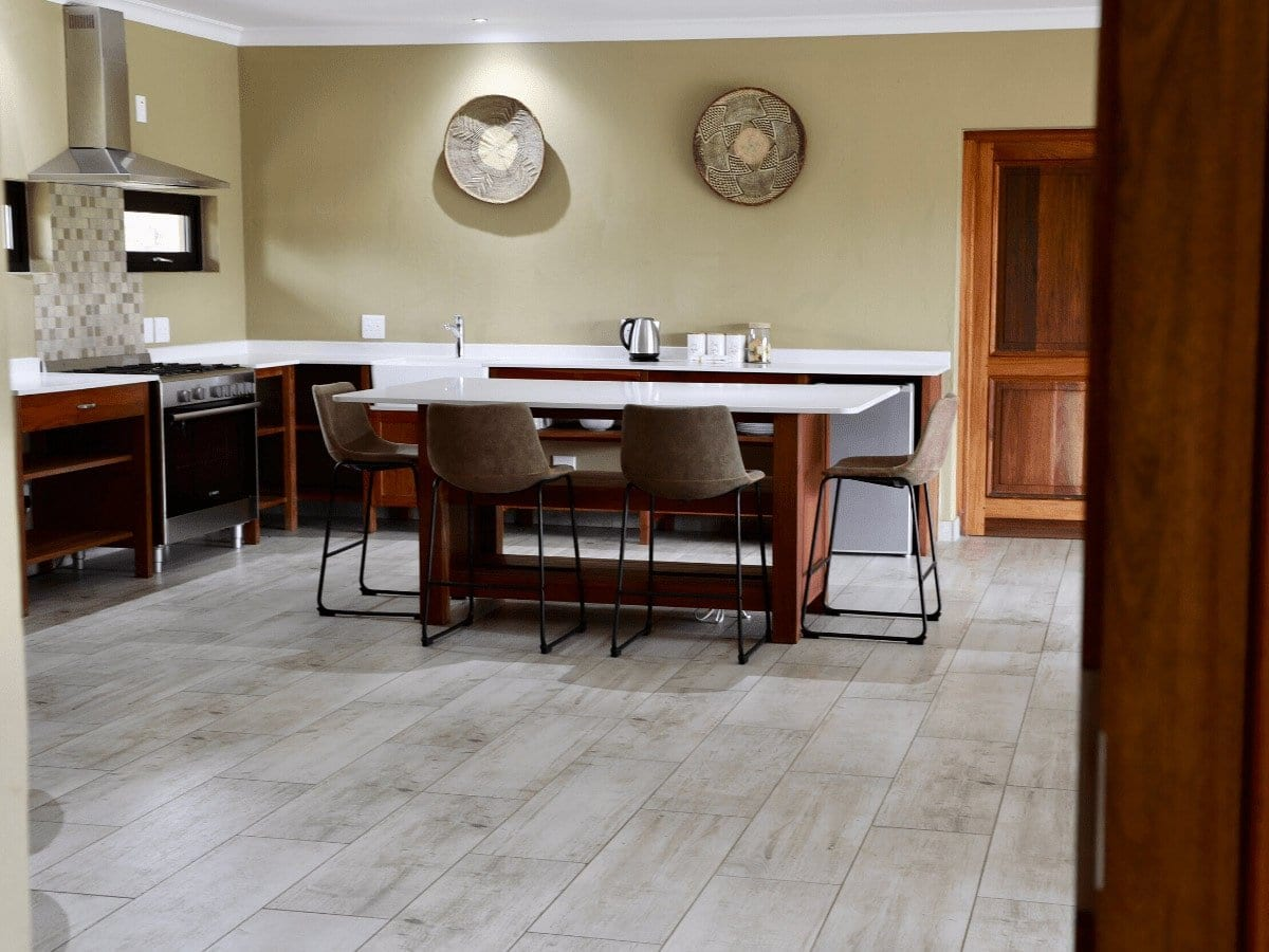 5 star Dinokeng Accommodation - Suites, kitchen interior