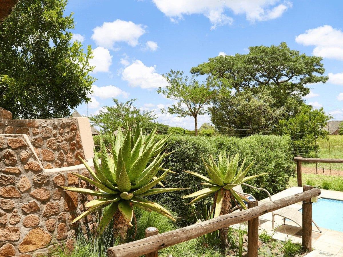 5 star Dinokeng Accommodation - Villa, outside