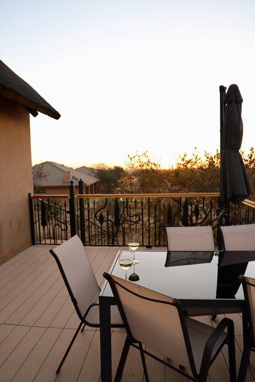 Tiimm's Bar - 5 star game lodge near Pretoria